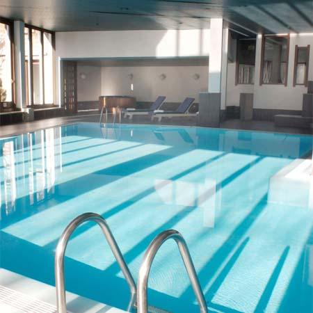 Schwimmbad und Spa